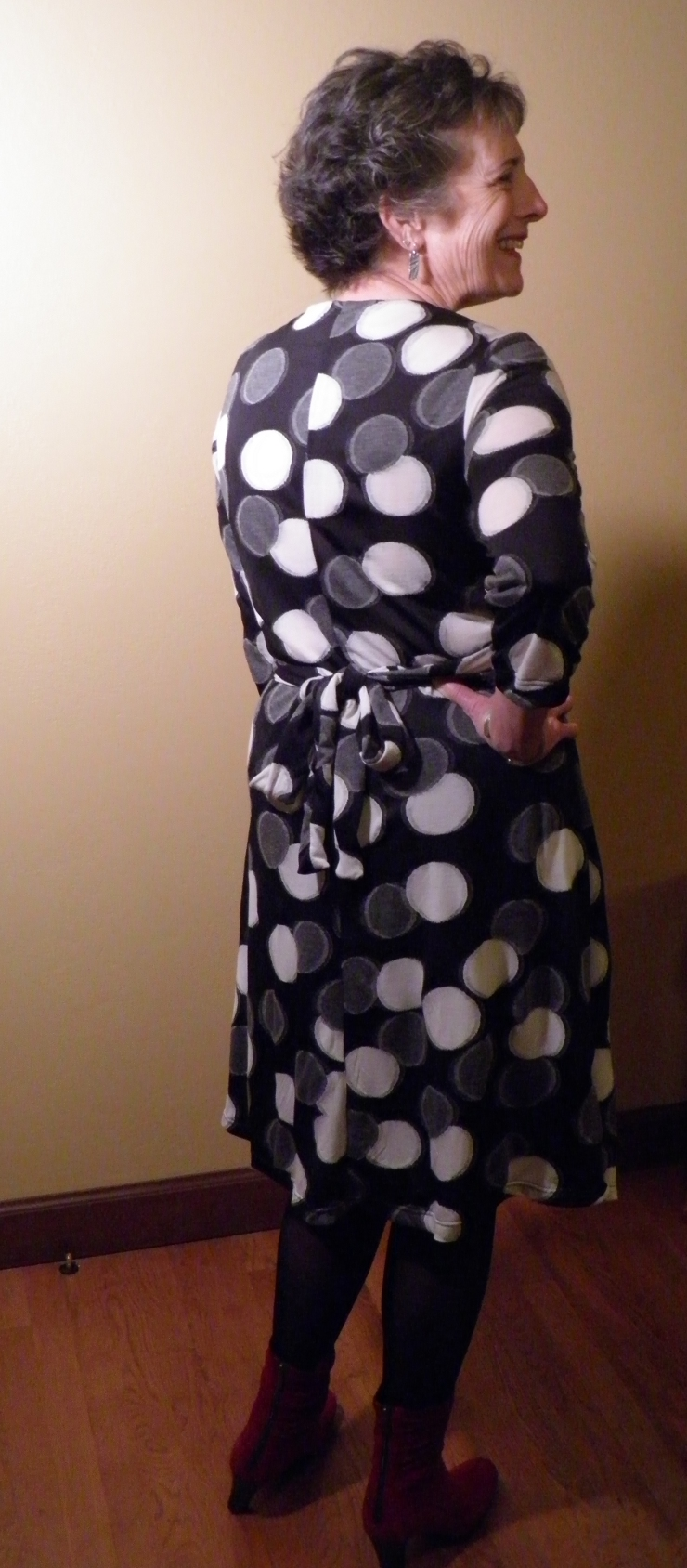 BackViewBlackDotKnitDress