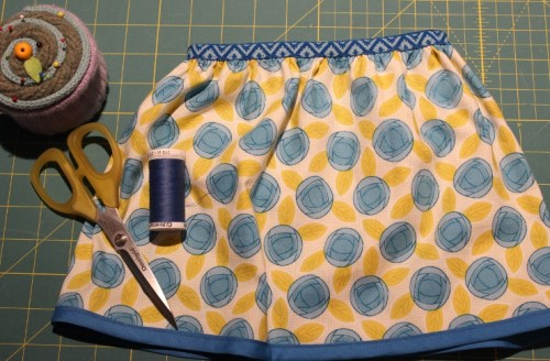 Reversible skirt tutorial made by Sew Maris