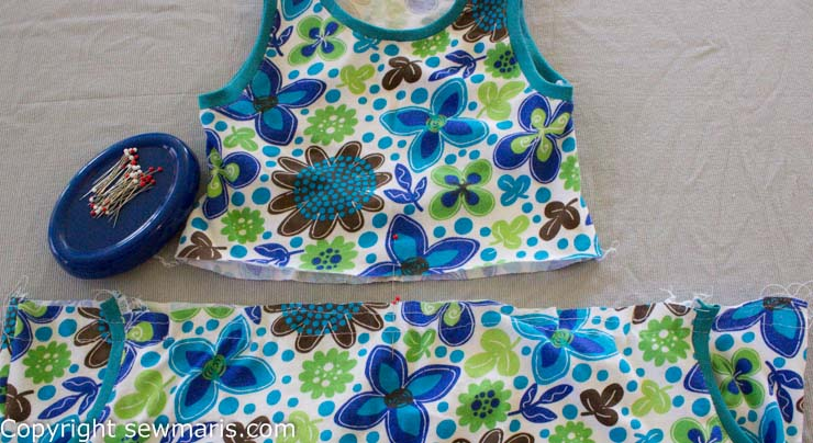 Taming your gathering stitches tutorial by Sew Maris