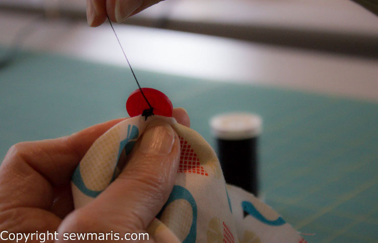 Sew a button by Sew Maris