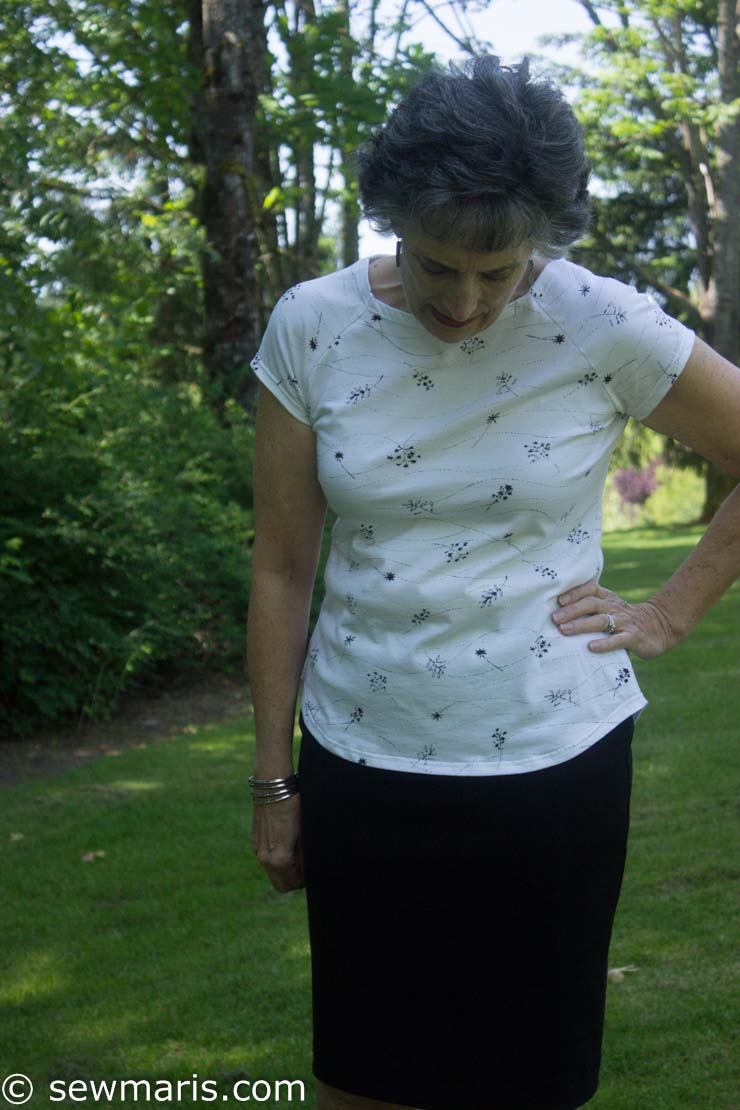Santa Monica tee + Pamela's Patterns Magic Pencil skirt by Sew Maris