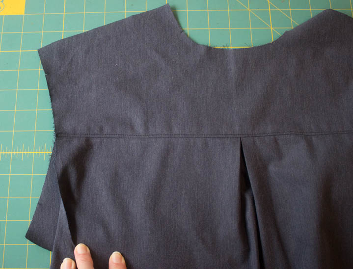 Grainline Archer Sew-Along by Sew Maris